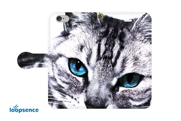 青い目の猫。猫フォトデザイン。オリジナルスマホケース手帳型No.15